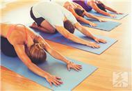 7日瘦身瑜伽减肥操:01固肩式
