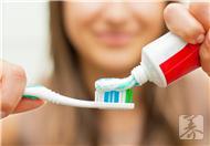 牙膏可以消痘吗