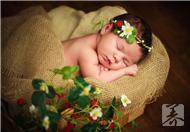 宝宝吐奶是怎么回事