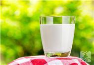 牛奶不宜与哪些水果一起吃?