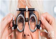 700度近视能恢复吗?