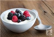 果料酸奶的做法