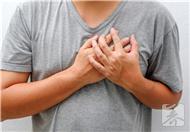 胸口不舒服什么原因呢?