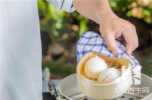What does the practice of little pork steamed stuffed bun include?