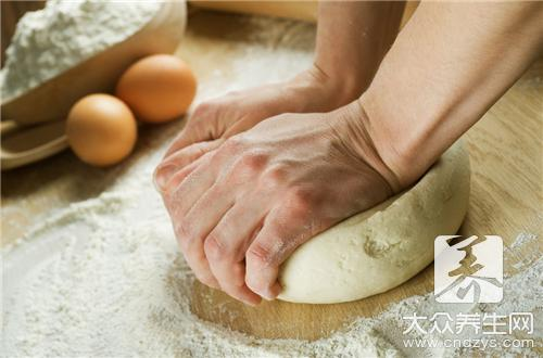 What cate can leaven dough do?