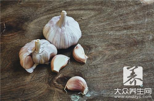 How to make sauce of delicate the head of garlic?