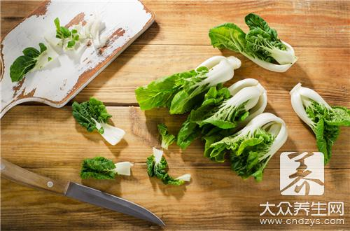 With what cannot Chinese cabbage eat together?