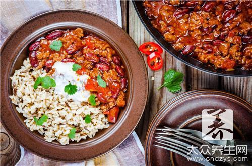 美食推荐:砂锅脆丸、炕炕馍烧牛肉、小厨神仙