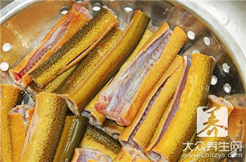 What does the practice of congee of ricefield eel arenaceous boiler have?