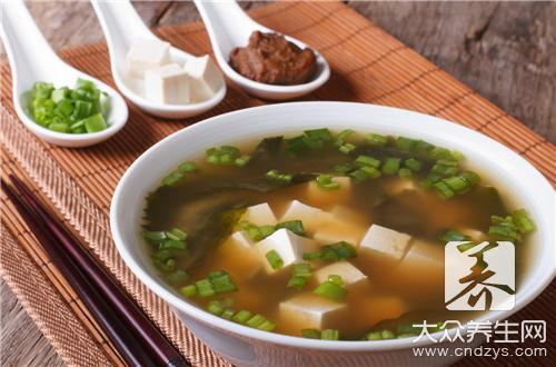 What does practice of garlic bolt bean curd have?