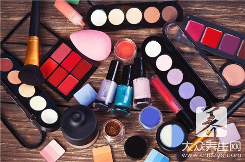 过敏皮肤适合用什么化妆品