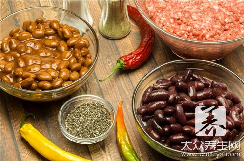 Kidney bean stews the practice of pig hoof