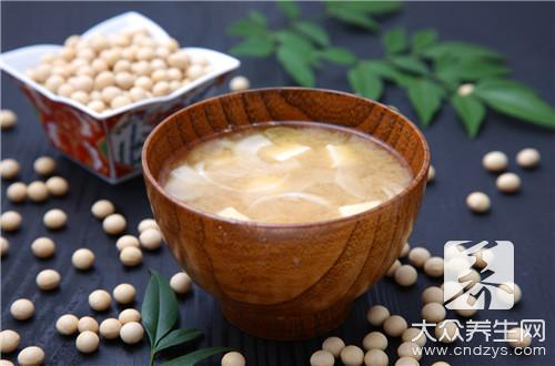 What does the practice of soup of head of bean curd fish include?