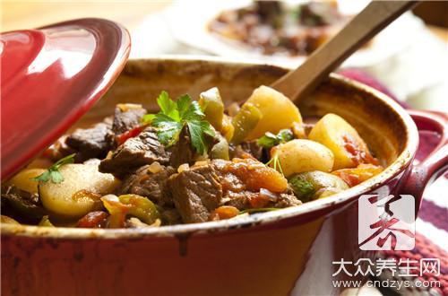 Stew of Chinese cabbage potato