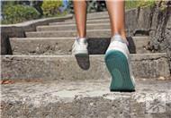 快走和慢跑哪个伤膝盖?怎样快走更正确