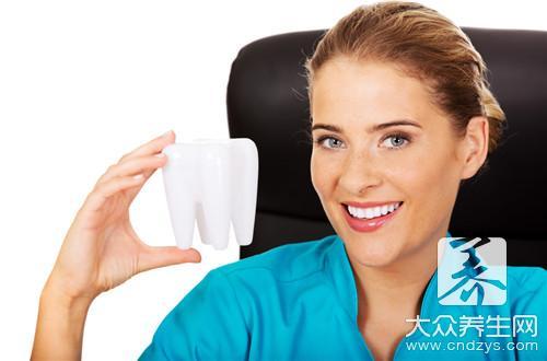 洗牙的三个误区 别让洗牙变伤牙(1)