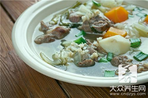 What does the practice of soup of leaf of pork liver medlar have?