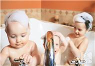宝宝洗澡需要注意的细节,如何给宝宝们洗澡?