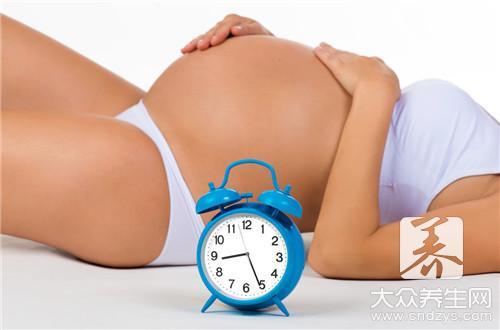 第三个月的宝宝发育标准与喂养