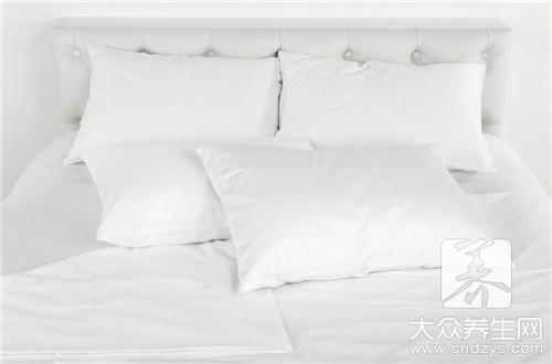 <b>睡什么样的枕头比较好</b>
