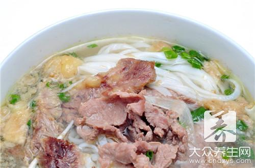 Soup of soft flesh vermicelli made from bean starch