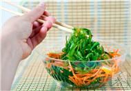 凉拌蔬菜这样吃最易中毒,一定要小心!