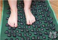 小孩脚底长水泡是怎么回事