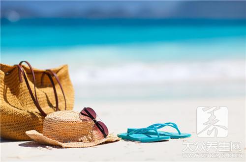夏季皮肤易干燥 8个补水妙招给身体保湿(1)