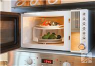 巧用微波炉做味美西餐——土豆烤香肠