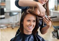 溢脂性脱发是属于什么疾病?
