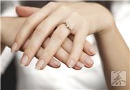 指甲上出现了竖纹?可能跟这4个健康隐患有关,最好注意