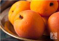 ?黄桃不能和什么水果一起吃