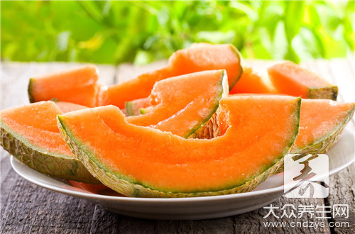 Does muskmelon eat much is the meeting fat?
