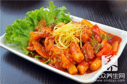 电饭锅排骨焖饭的做法是什么呢