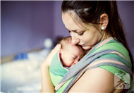 新生儿溢奶和吐奶的区别
