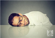 睡觉时突然抽搐,当心患上睡眠障碍