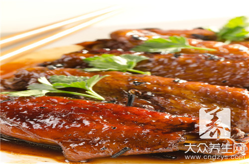 The practice of the daily life of a family of wing of chicken of stew in soy sauce