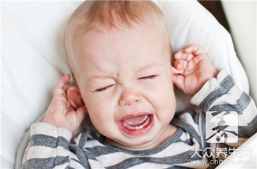 How is eczema of infantile ear path treated