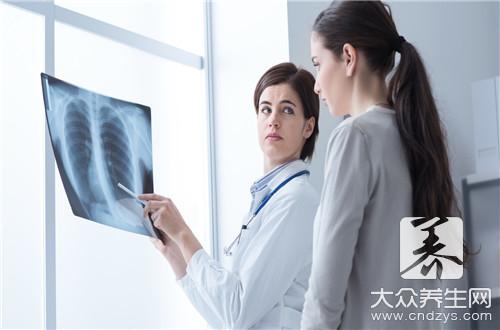 How does pneumoconiosis do